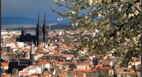 Réservez votre chambre d'hôtel sans plus tarder à Clermont-Ferrand !