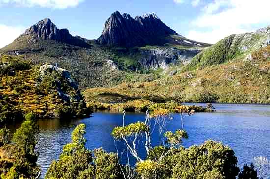 cradle-mountain-lake