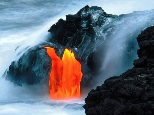 feu et volcan