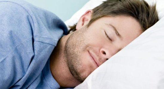Comment s'endormir rapidement après un long voyage ?